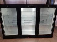 vitrine à boissons 3 portes